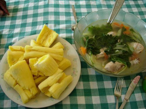 キャッサバとチキンスープ